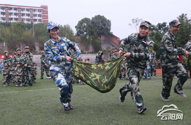 """[教育]白鹤幼儿园举办""""梦幻海陆空""""军事主题亲子活动"""